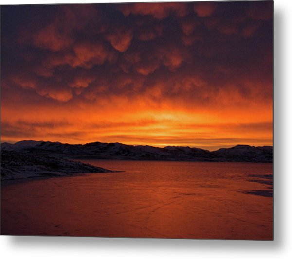 Mamantus Clouds Over Wildhorse Reservoir, Nv Metal Print