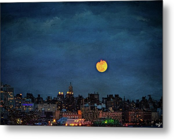 Manhattan Moonrise Metal Print