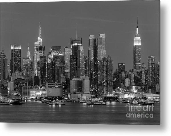 Manhattan Twilight Iv Metal Print