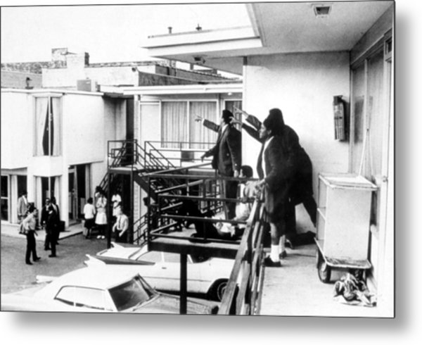 Martin Luther King, Jr Assassination Photograph by Everett