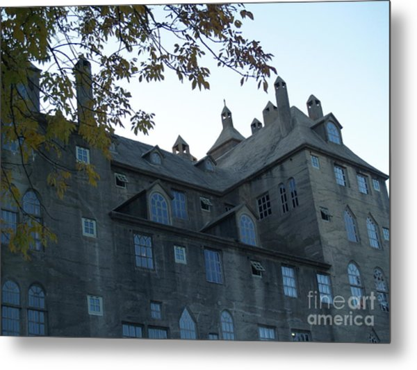 Mercer Museum At Dusk In Doylestown Pa Metal Print
