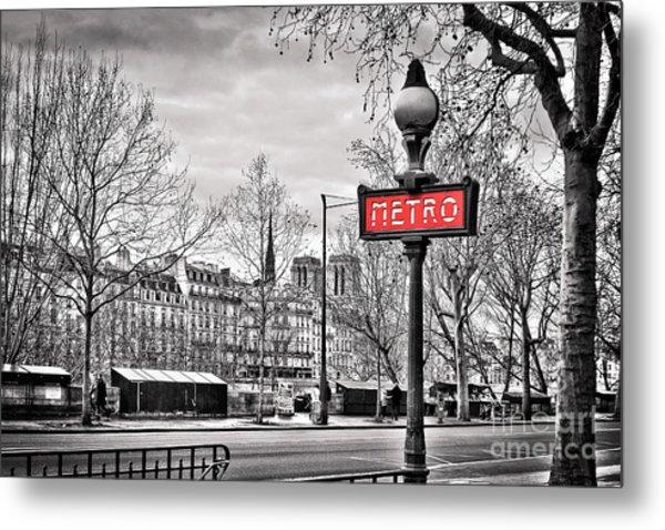 Metro Pont Marie Metal Print