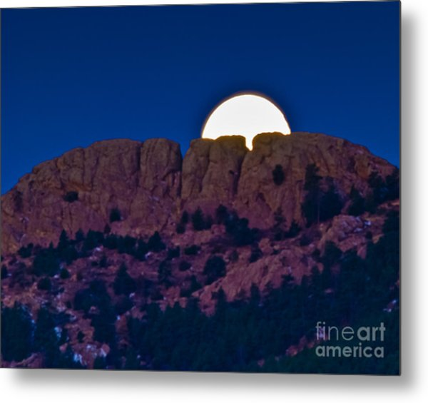 Moon Setting Behind Horsetooth Rock Metal Print