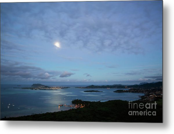 Moonrise Over Kaneohe Bay Metal Print