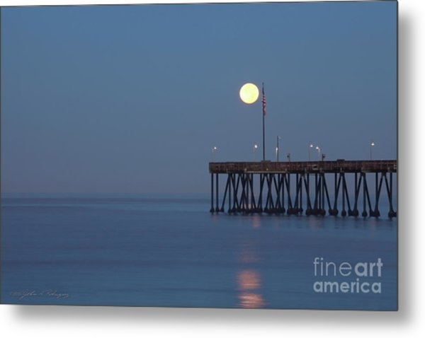 Moonset At The Ventura Pier Metal Print
