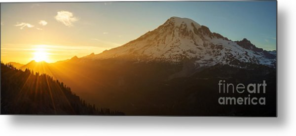 Mount Rainier Evening Light Rays Metal Print