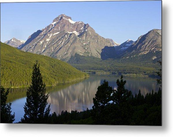 Mountain Lake Metal Print by Richard Steinberger