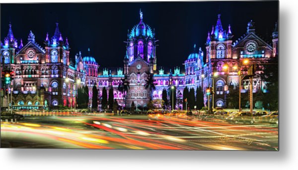 Metal Print featuring the photograph Mumbai Moment by Dan McGeorge