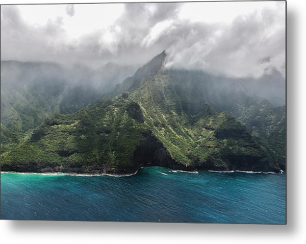 Napali Coast In Clouds And Fog Metal Print