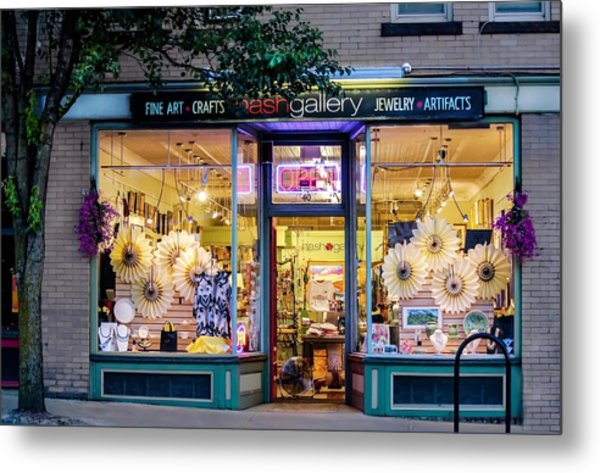 Metal Print featuring the photograph Nash Gallery In Easthampton, Ma by Sven Kielhorn