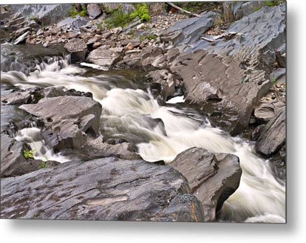 Near Barrow Falls Metal Print by Peter J Sucy