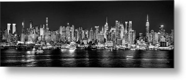 New York City Nyc Skyline Midtown Manhattan At Night Black And White Metal Print