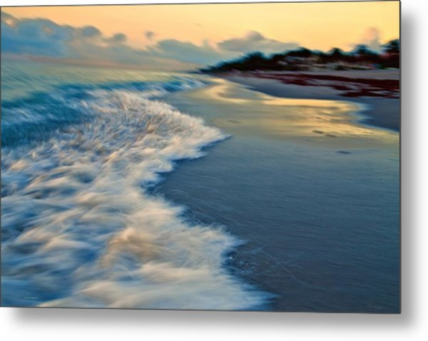 Ocean In Motion Metal Print