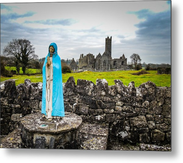 Official Greeter At Ireland's Quin Abbey National Monument Metal Print