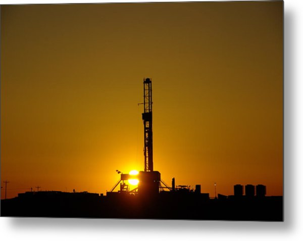 Oil Rig Near Killdeer In The Morn Metal Print