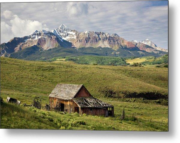 Old Barn And Wilson Peak Horizontal Metal Print