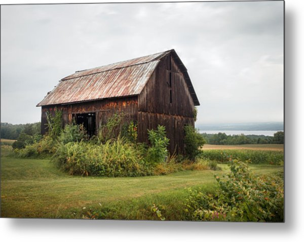 Metal Print featuring the photograph Old Barn On Seneca Lake - Finger Lakes - New York State by Gary Heller