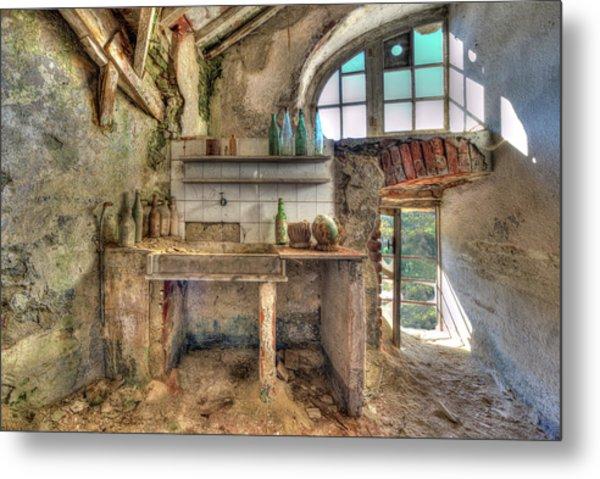 Old Kitchen - Vecchia Cucina Metal Print
