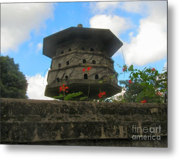 Old Stone Chinese Bird House Metal Print by Kathy Daxon
