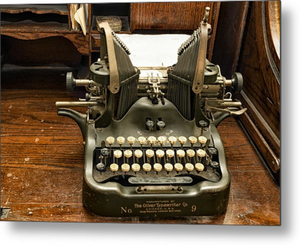 Metal Print featuring the photograph Old Typewriter by Linda Constant