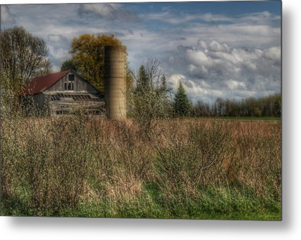 0034 - Old Wooden Barn And Silo Metal Print