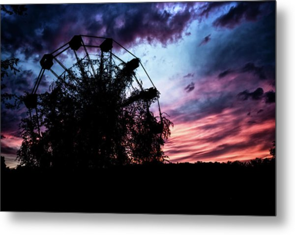 Ominous Abandoned Ferris Wheel Metal Print