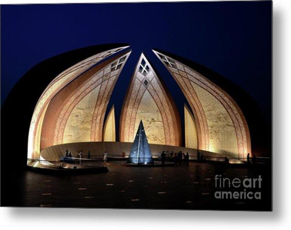 Pakistan Monument Illuminated At Night Islamabad Pakistan Metal Print