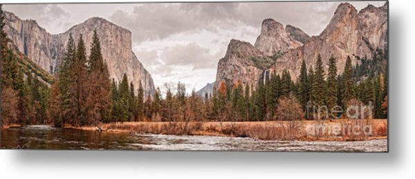 Panoramic View Of Yosemite Valley From Bridal Veils Falls Viewing Point - Sierra Nevada California Metal Print