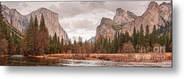 Panoramic View Of Yosemite Valley From Bridal Veils Falls Viewing Point - Sierra Nevada California Metal Print