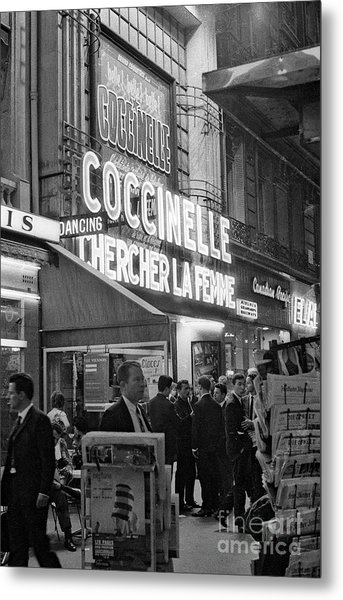 Paris By Night December 1976  The Front Of The Olympia Metal Print