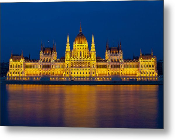 Parliament On The Danube Metal Print