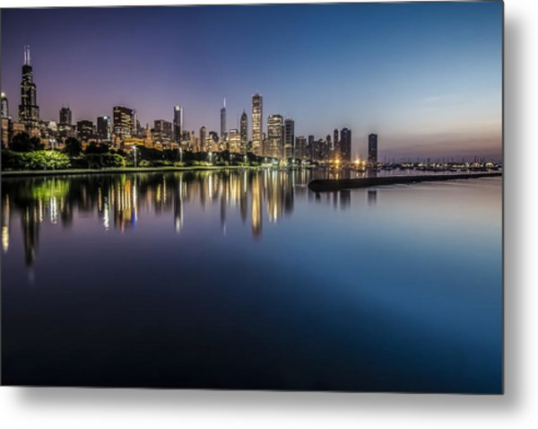 Peaceful Summer Dawn Scene On Chicago's Lakefront Metal Print