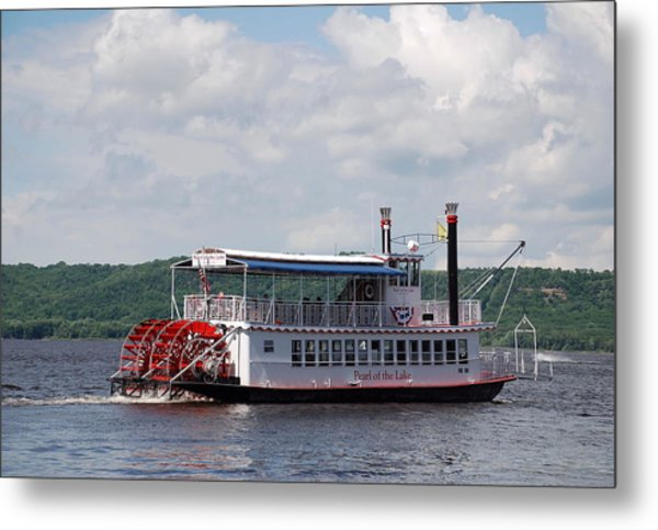 Pearl Off Marina Point Metal Print by Larry Nielson
