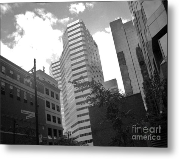 Photos Of Montreal Mansfield St Metal Print by Reb Frost