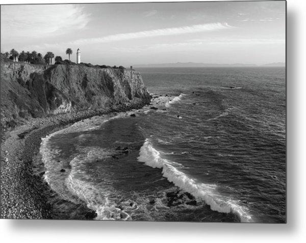Point Vicente Lighthouse Palos Verdes California - Black And White Metal Print