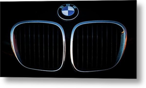 Pure Z3 - Bmw Z3 Grill And Roundel Metal Print