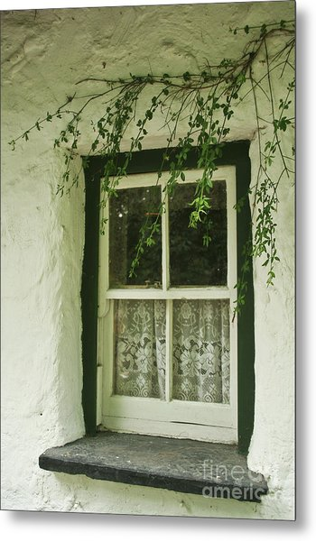 Quaint Window In Ireland Metal Print