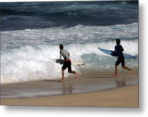 Race To The Waves Metal Print