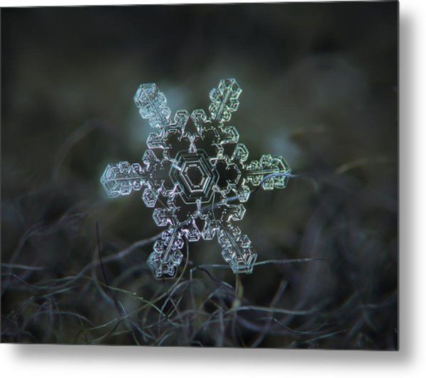 Real Snowflake - Slight Asymmetry New Metal Print
