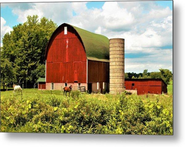 0040 - Red Barn And Horses Metal Print