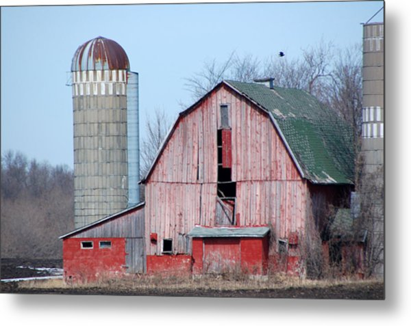 Red Barn On Texas Avenue Metal Print by Mary Pearson