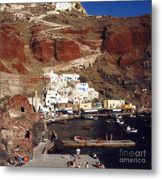 Red Beach Metal Print by Andrea Simon