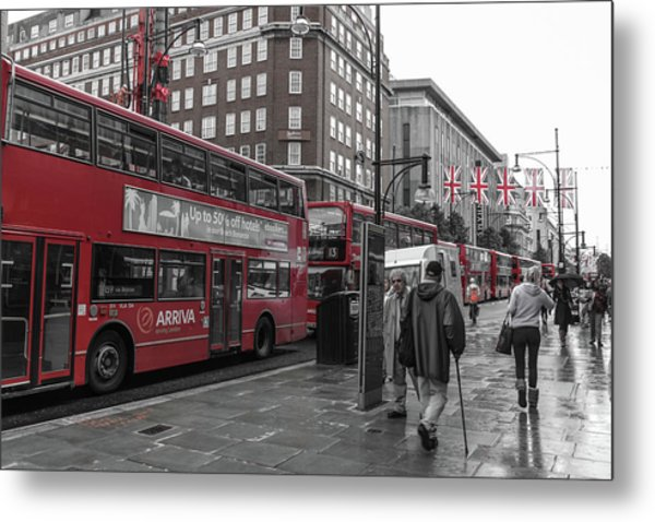 Red Buses And Rain Metal Print