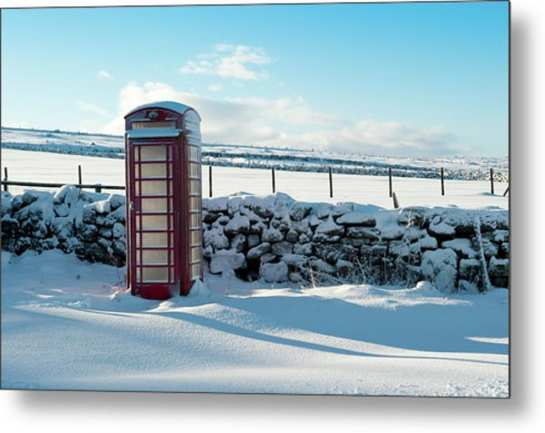 Red Telephone Box In The Snow V Metal Print