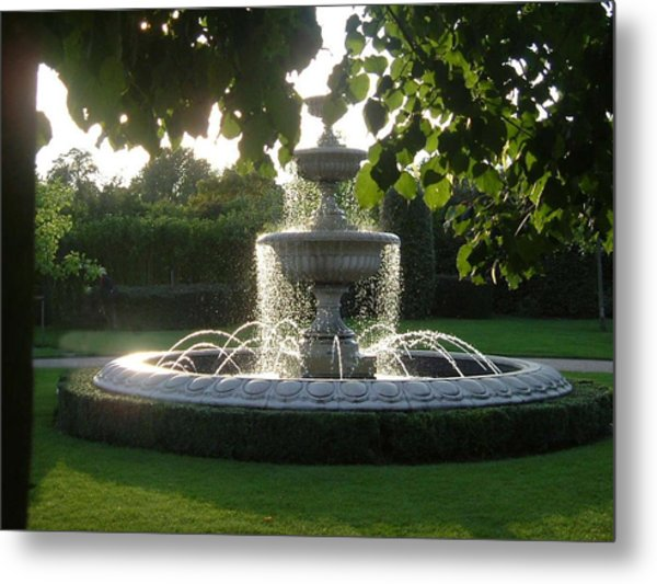 Regents Park Fountain Metal Print