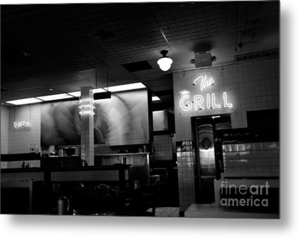 Retro Diner In Athens, Georgia -black And White Metal Print