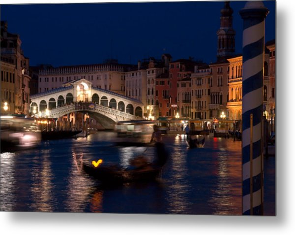 Rialto Bridge In Venice At Night With Gondola Metal Print by Michael Henderson