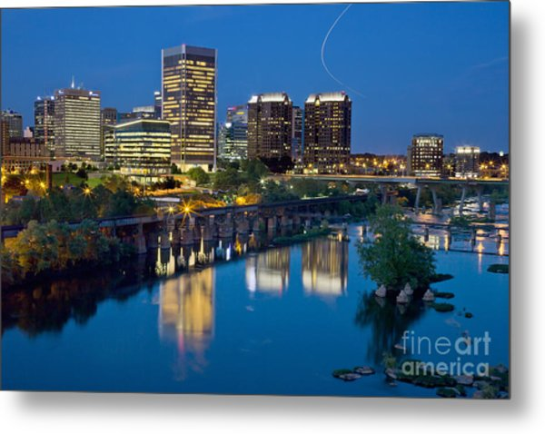 Metal Print featuring the photograph Richmond Skyline Helo Trail by Jemmy Archer