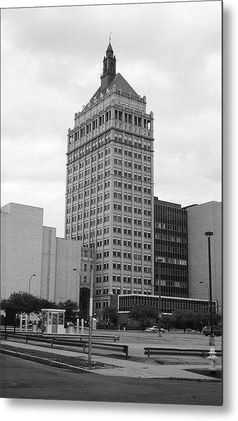 Rochester, Ny - Kodak Building 2005 Bw Metal Print