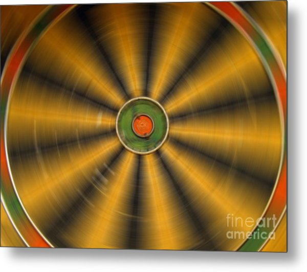 Rotating Dartboard Metal Print